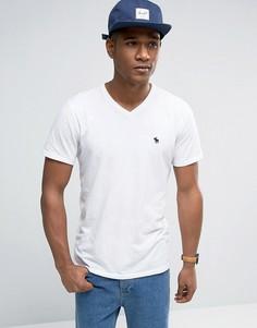 Белая обтягивающая футболка с V-образным вырезом Abercrombie & Fitch - Белый