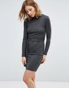 Трикотажное платье с поясом First & I - Черный