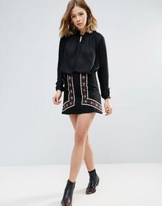 Мини-юбка с вышивкой First & I - Черный