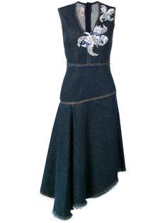 джинсовое платье с цветочными заплатками Antonio Marras