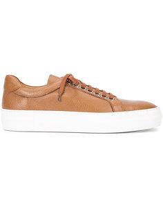 Bowery sneakers Armando Cabral