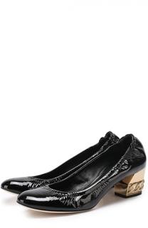 Лаковые туфли на низком каблуке с декором Casadei