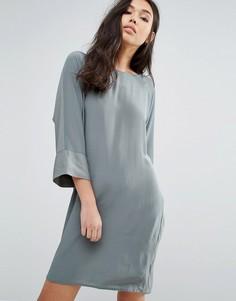 Цельнокройное платье с рукавами 3/4 Minimum - Зеленый