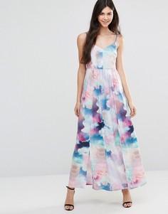 Платье макси с цифровым принтом облаков Yumi - Мульти