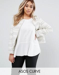 Куртка из ткани букле с бахромой ASOS CURVE - Кремовый
