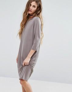 Цельнокройное платье с рукавами 3/4 Minimum - Серый