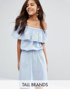 Платье с оборками и открытыми плечами Vero Moda Tall - Синий