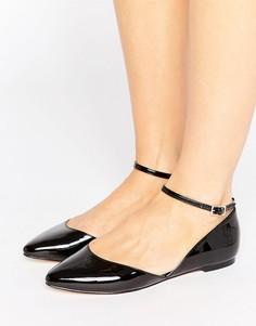 Aсимметричныe туфли на плоской подошве с острым носком Faith Ali - Черный