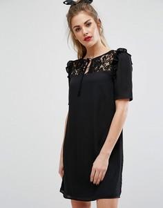 Платье с короткими рукавами, кружевной вставкой и завязкой у горловины Fashion Union - Черный