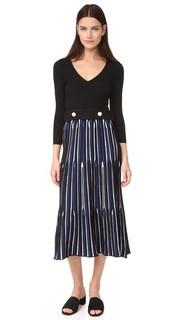 Платье с поясом и V-образным вырезом Derek Lam