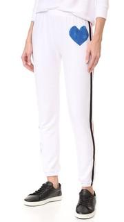 Классические спортивные брюки с изображением сердечка Wildfox