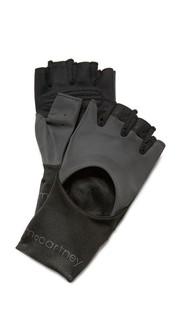 Перчатки для тренировок Adidas by Stella Mc Cartney