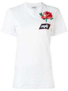 футболка с нашивкой  Au Jour Le Jour