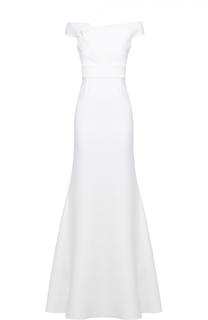 Приталенное платье-макси с открытыми плечами и драпировкой Roland Mouret