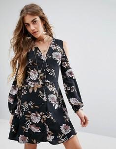 Платье с V-образным вырезом и открытыми плечами Honey Punch - Черный