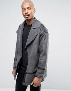Серая байкерская куртка из искусственной овчины ASOS - Серый