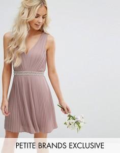 Приталенное платье мини для выпускного с отделкой и открытой спинкой TFNC Petite Wedding - Розовый