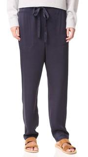 Атласные брюки без застежки с накладными карманами Vince
