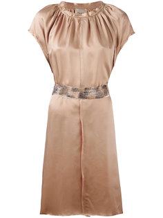 платье с плиссировкой и поясом Nude