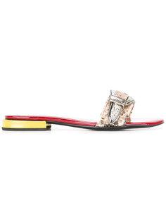 открытые сандалии с тисненым узором Toga