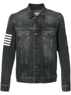 джинсовая куртка с принтом в полоску Palm Angels