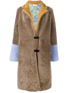 длинное пальто из овчины Saks Potts