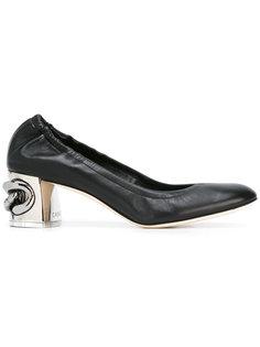 туфли с металлическим каблуком Casadei