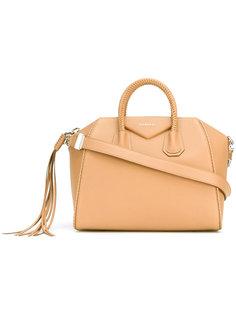 средняя сумка Antigona  Givenchy