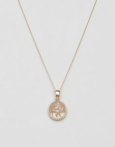 Золотистое ожерелье с небольшим медальоном Chained & Able - Золотой