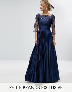 Платье макси с кружевным лифом и юбкой плиссе Chi Chi Petite - Темно-синий