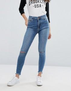 Супероблегающие джинсы с рваными коленями New Look - Синий