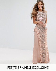 Декорированное платье макси с рюшами на юбке Maya Petite - Розовый