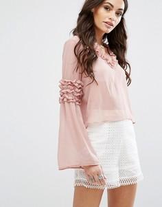Блузка с длинными рукавами декорированная рюшами Boohoo - Бежевый