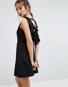 Платье-трапеция мини с открытой спиной и оборками Boohoo - Черный