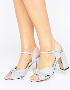 Босоножки на каблуке с узелками Miss KG Grace - Синий