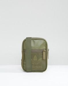 Зеленая спортивная сумка для авиапутешествий adidas Originals BK6743 - Зеленый