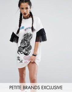 Платье-футболка с сетчатыми рюшами на рукавах Jaded London Petite Rock - Кремовый