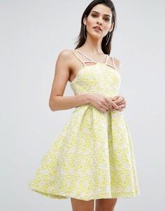 Короткое приталенное платье с кружевной накладкой The 8th Sign - Желтый
