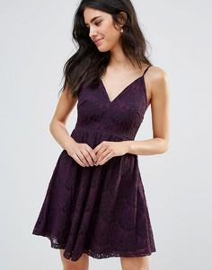 Короткое приталенное платье Oh My Love - Красный