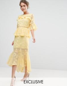 Многоярусное платье миди с выжженным узором и кружевными вставками Dark Pink - Желтый