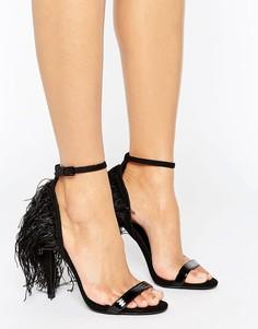 Лакированные сандалии с двумя ремешками и перьями на заднике Little Mistress - Черный