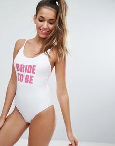 Слитный купальник с надписью Bride To Be Boohoo - Белый