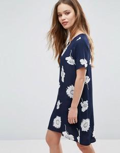 Цельнокройное платье с цветочным принтом Pieces Isabella - Темно-синий