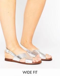 Замшевые сандалии для широкой стопы с ремешками накрест New Look - Серебряный
