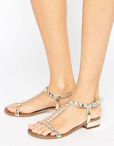 Телесные сандалии с Т-образным ремешком и отделкой Little Mistress - Бежевый