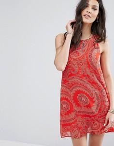 Шифоновое платье с принтом пейсли Abercrombie & Fitch - Красный