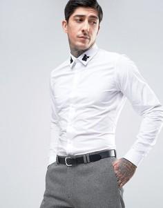 Приталенная рубашка с черными вышитыми розами на воротнике Devils Advocate Premium - Белый