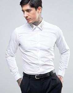 Приталенная рубашка с золотистой вышивкой на воротнике Devils Advocate Premium - Белый