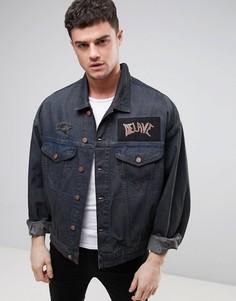 Выбеленная свободная джинсовая куртка с нашивками ASOS - Синий
