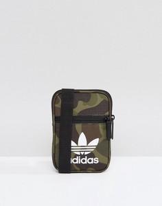 Сумка с камуфляжным принтом adidas Originals - Мульти